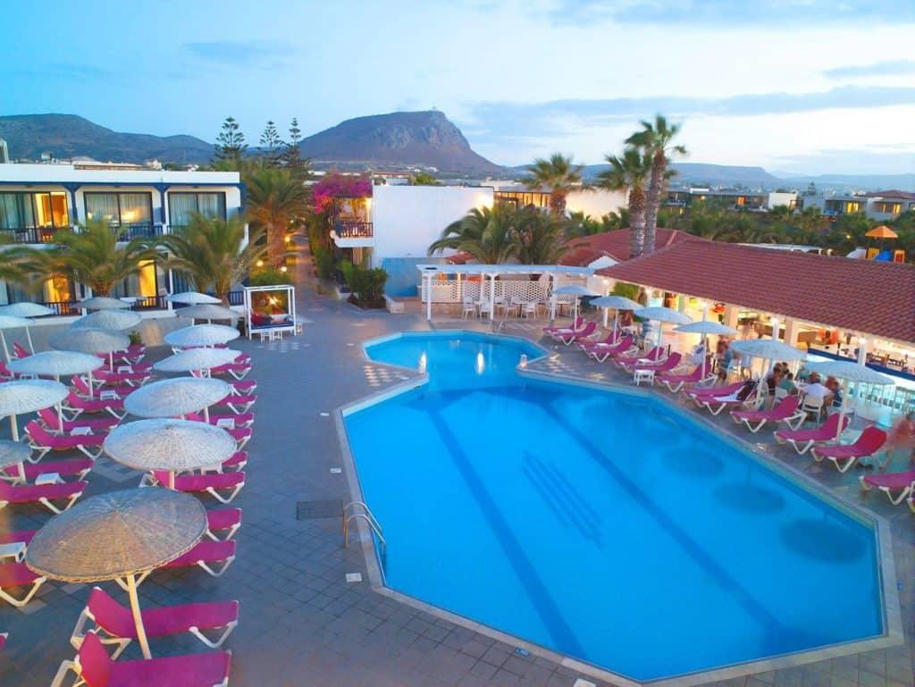 Zwembad van Hotel Stella Village in Analipsi, Kreta, Griekenland