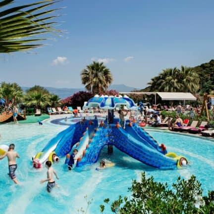 Kinderbad van Pine Bay Holiday Resort in Kusadasi, Noord-Egeïsche Kust, Turkije
