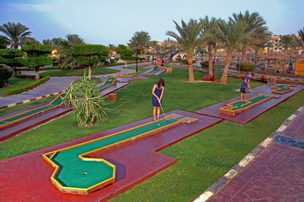 Midgetgolf van Dana Beach Resort in Hurghada, Rode Zee, Egypte