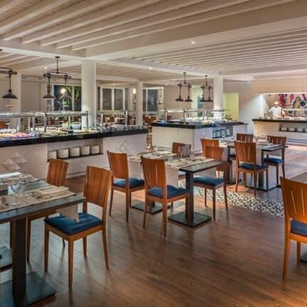 Restaurant van H10 Ocean Suites in Corralejo, Fuerteventura, Spanje