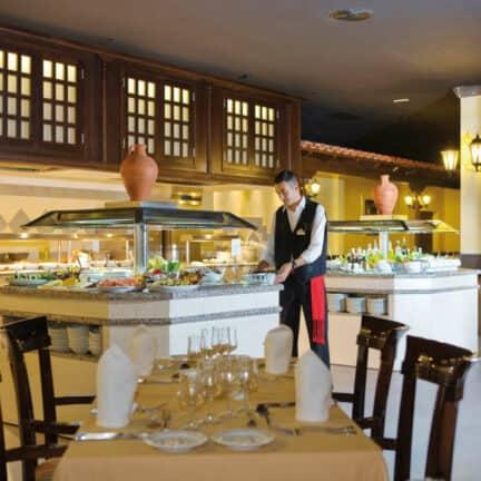 Restaurant van RIU Paraiso Lanzarote Resort in Puerto del Carmen, Lanzarote, Spanje