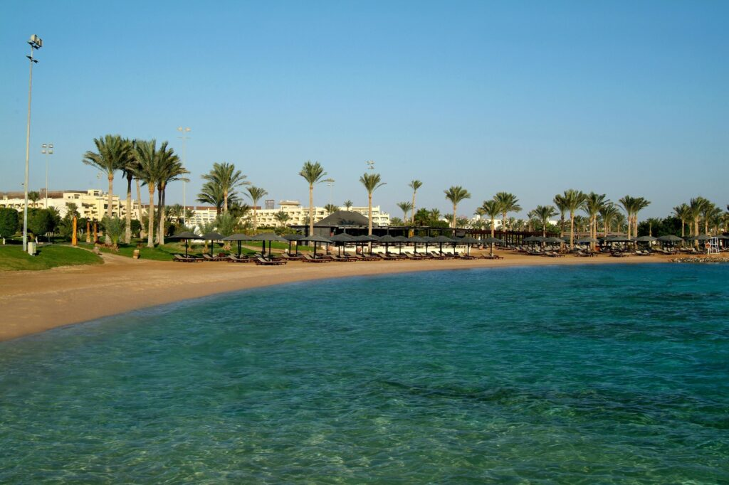 Strand van Steigenberger Aqua Magic in Hurghada, Rode Zee, Egypte