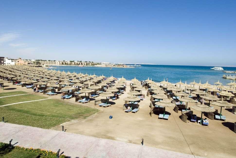 Strand van Sunrise Select Garden Beach Resort in Hurghada, Rode Zee, Egypte