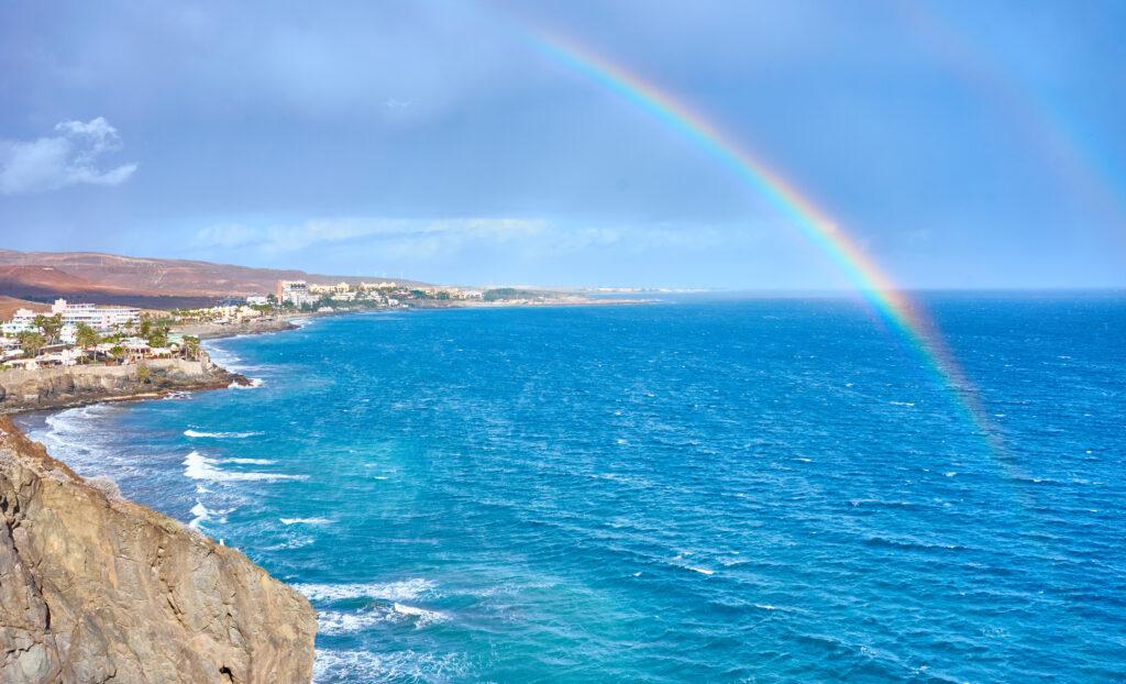Uitzicht op de kust van San Agustin op Gran Canaria