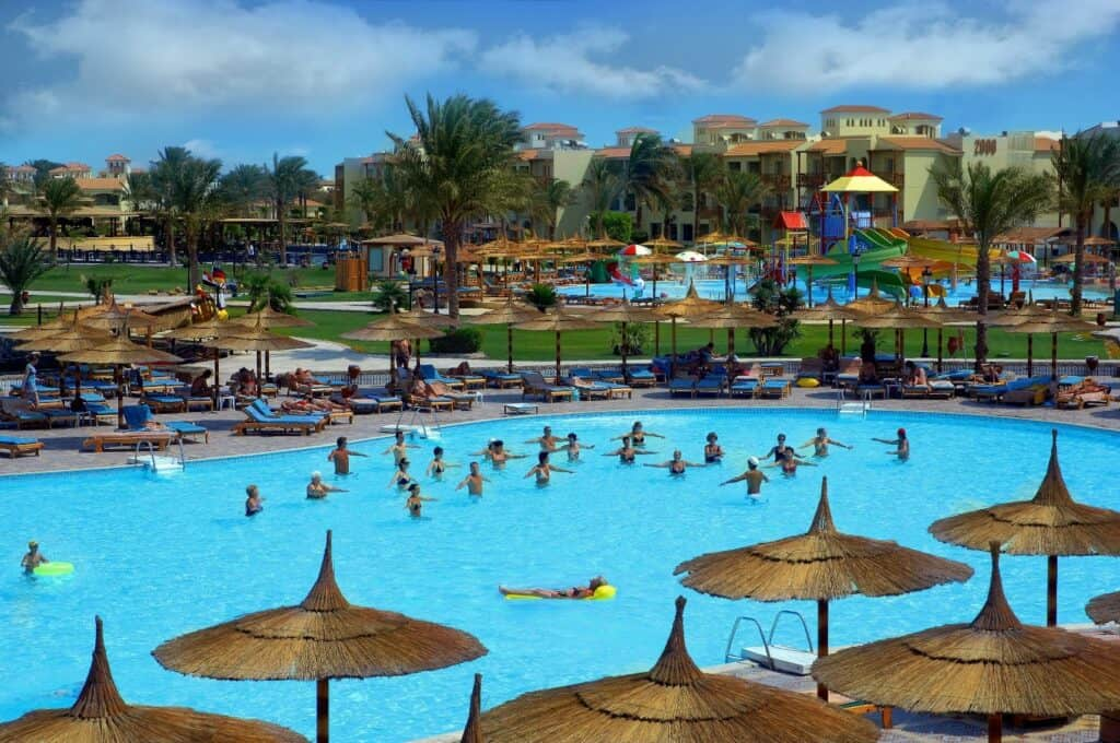Zwembad van Dana Beach Resort in Hurghada, Rode Zee, Egypte