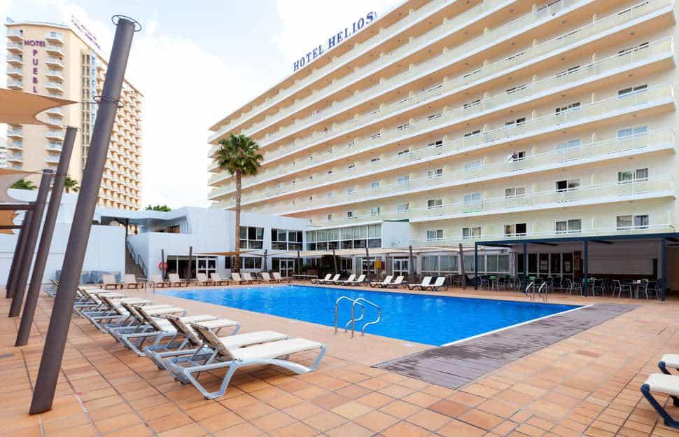 Zwembad van Hotel Helios Benidorm in Benidorm, Costa Blanca, Spanje
