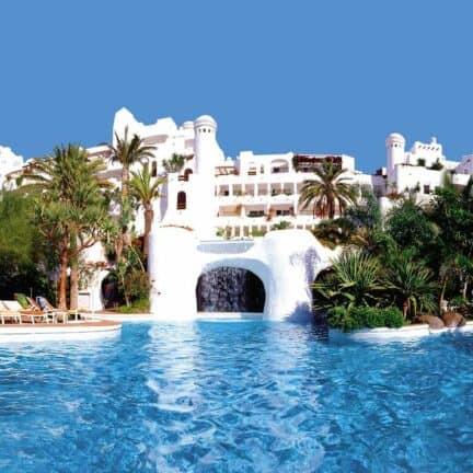 Zwembad van Hotel Jardin Tropical in Costa Adeje, Tenerife, Spanje