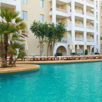 Zwembad van Protur Safari Park in Sa Coma, Mallorca, Spanje