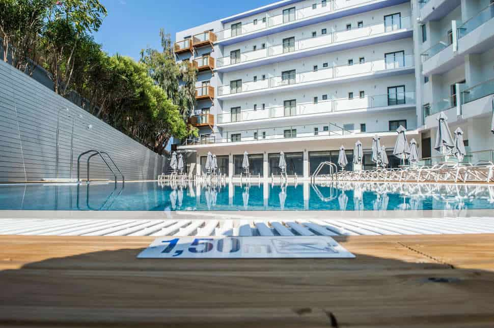 Zwembad van Rhodos Horizon Resort in Rhodos-Stad, Rhodos, Griekenland