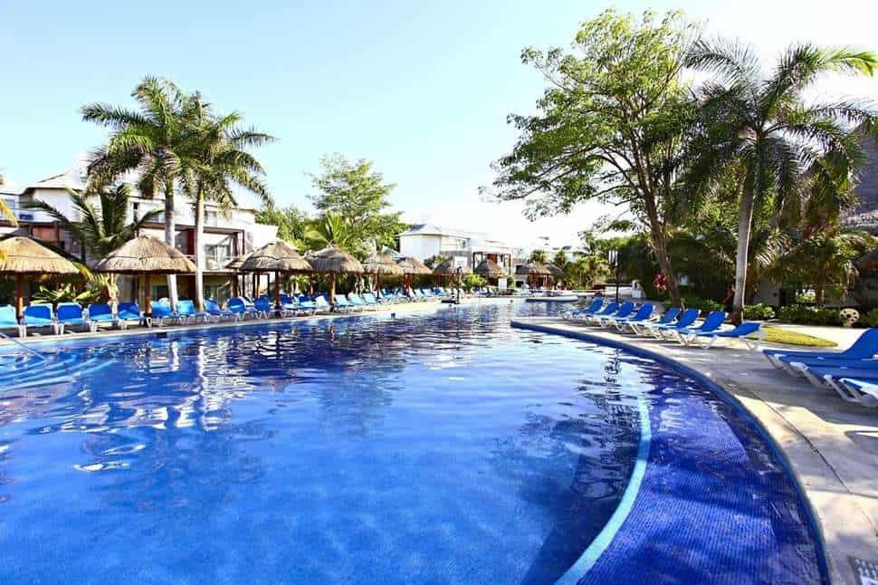 Zwembad van Sandos Caracol Eco Resort in Playa del Carmen, Quintana Roo, Mexico