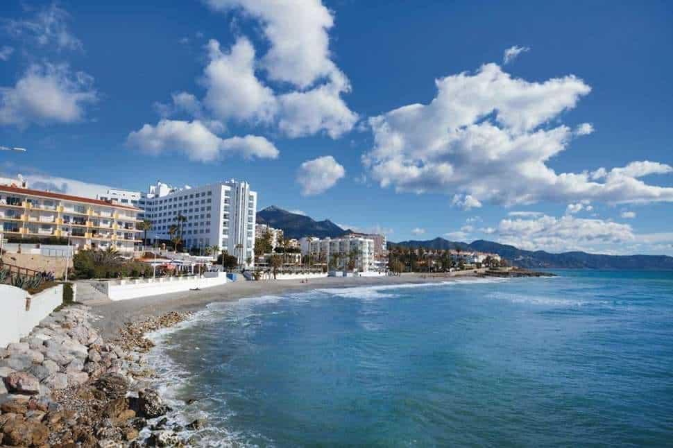 Ligging van Hotel Riu Monica in Nerja, Costa del Sol, Spanje
