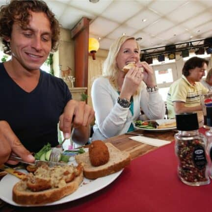 Restaurant van Roompot Bospark Lunsbergen in Borger, Drenthe, Nederland