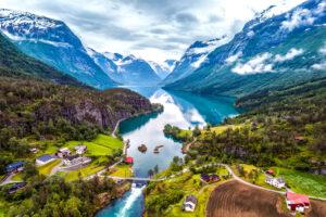 Uitzicht over de fjorden bij Stavanger, Noorwegen