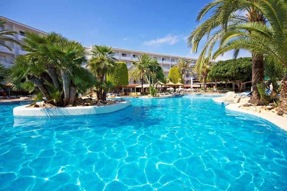 Zwembad van Marins Playa in Cala Millor, Mallorca, Spanje
