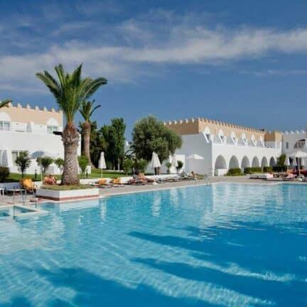 Zwembad van Platanista Hotel in Psalidi, Kos, Griekenland