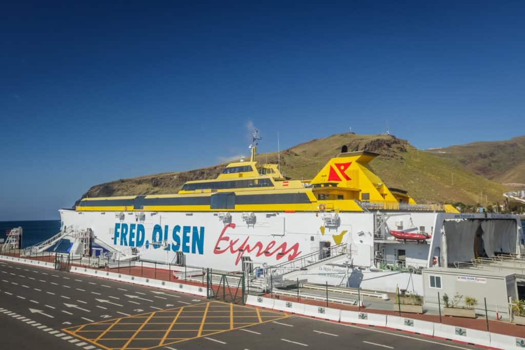 Boot van Fred Olsen Express op de Canarische Eilanden in Spanje