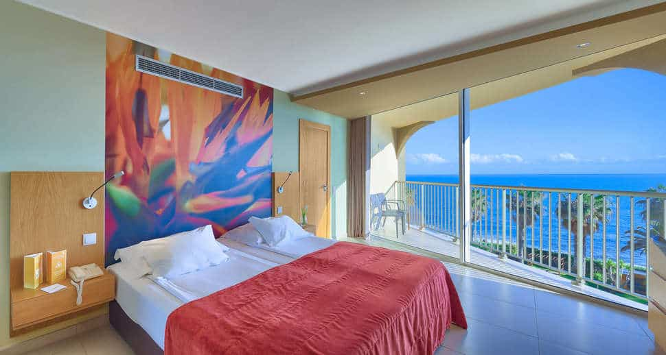 Hotelkamer van Four Views Oasis Hotel in Canico, Madeira, Portugal