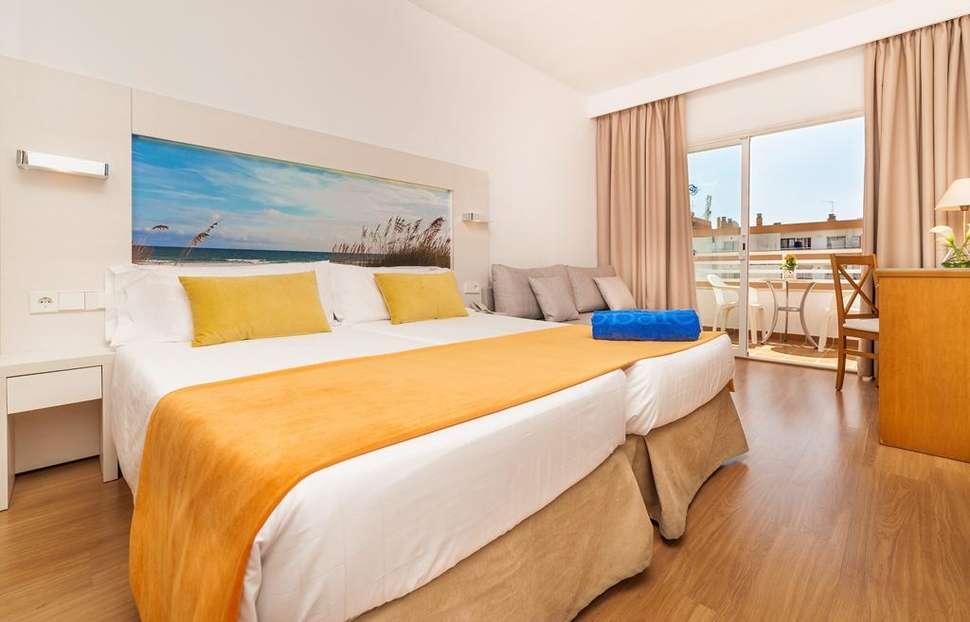 Hotelkamer van Globales Santa Ponsa Park in Santa Ponsa, Mallorca, Spanje
