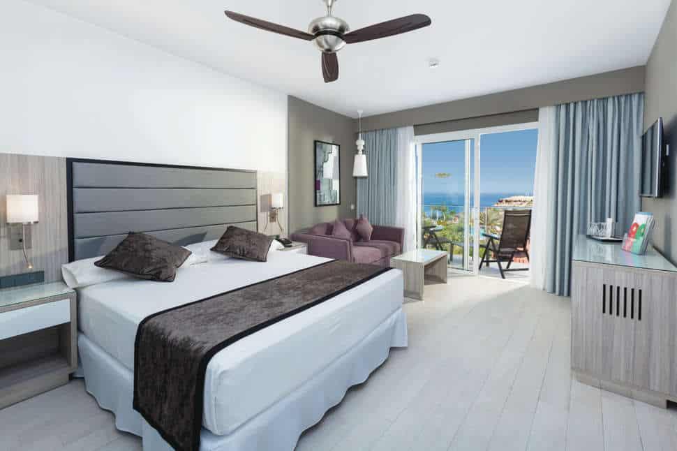 Hotelkamer van RIU Palace Tenerife in Costa Adeje, Tenerife, Spanje