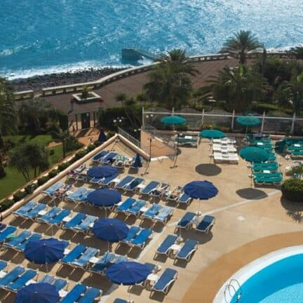 Ligging van Four Views Oasis Hotel in Canico, Madeira, Portugal