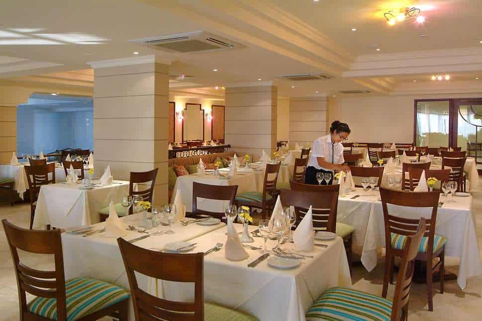 Restaurant van Aquamare Beach Hotel & Spa in Paphos, Paphos, Cyprus