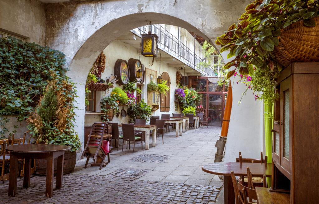 Restaurant in de Joodse wijk Kazimierz in Krakau, Polen