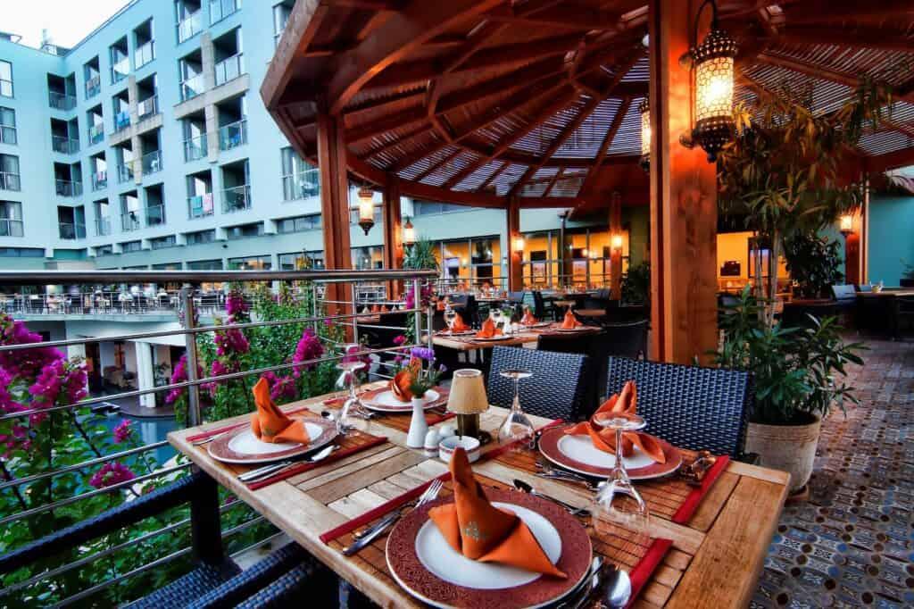 Restaurant van Limak Atlantis Deluxe Resort in Belek, Turkse Rivièra, Turkije