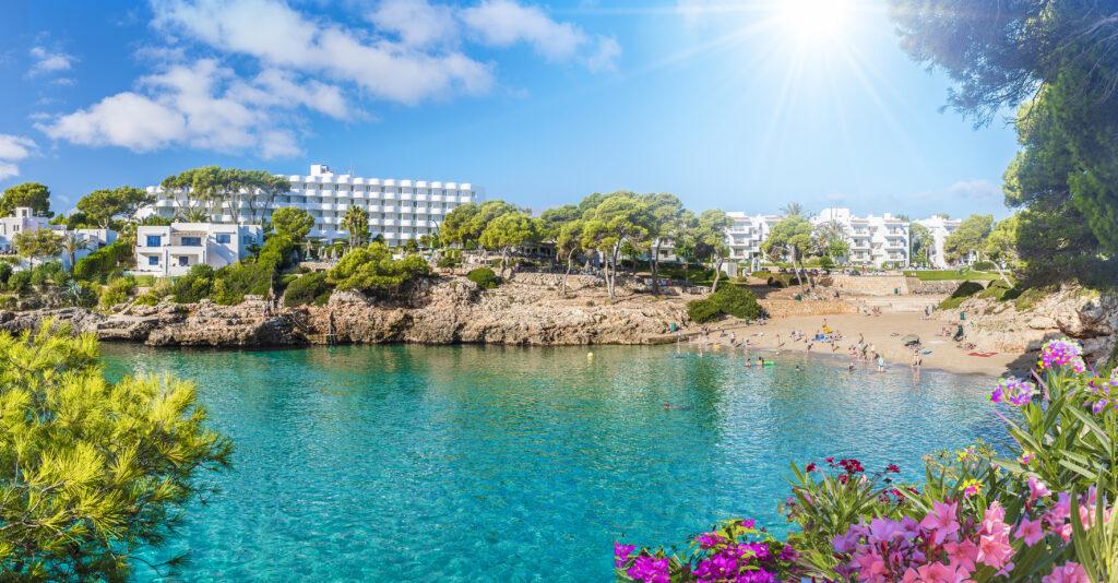 Strand van Cala d'Or op Mallorca