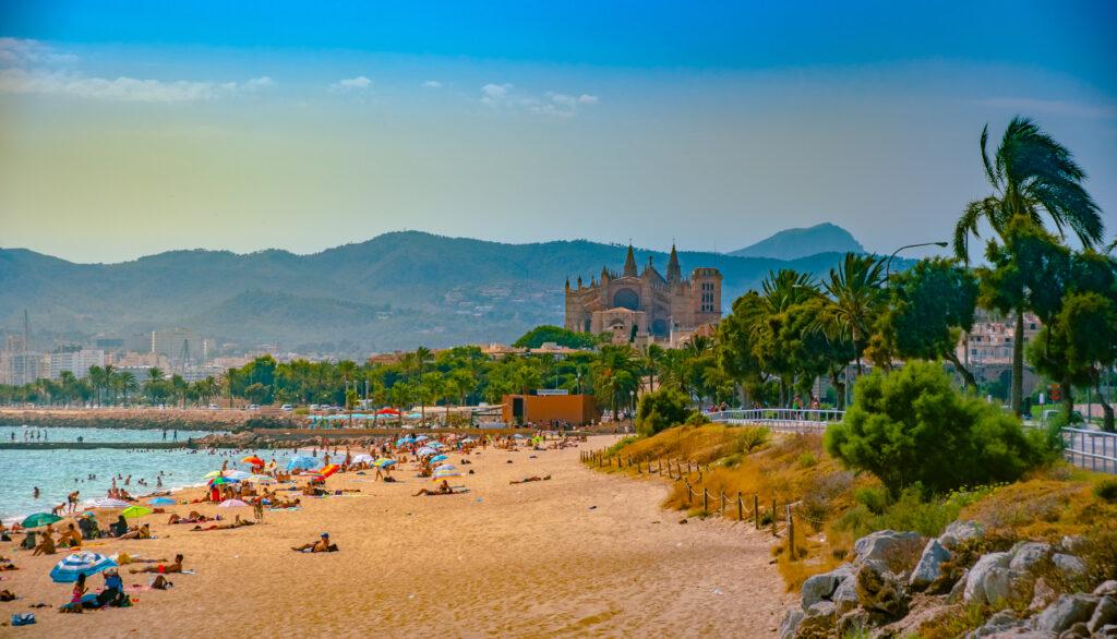 Strand van Playa de Palma op Mallorca