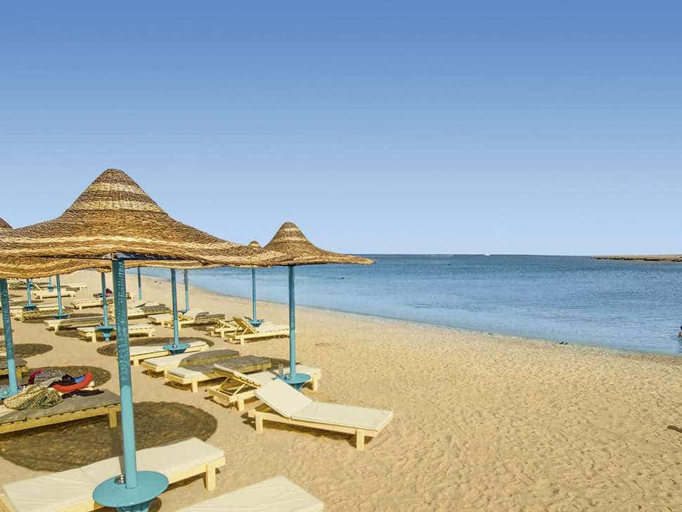 Strand van Sunrise Marina Resort in Marsa Alam, Rode Zee, Egypte