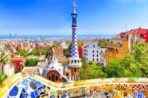 Uitzicht op toren in Park Guell in Barcelona, Spanje