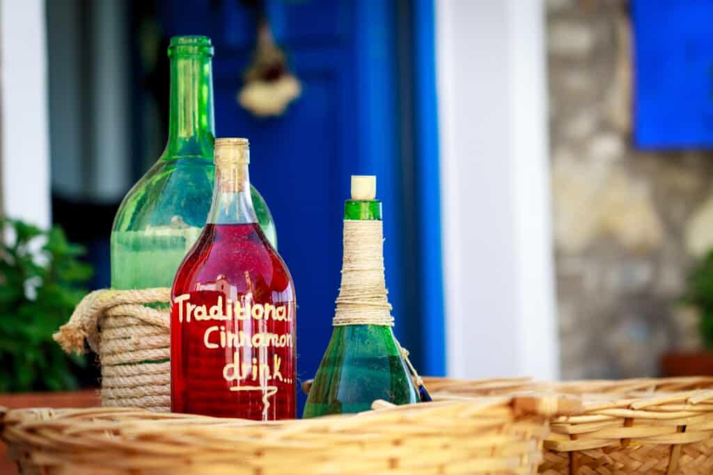 Drankjes in een mand in Griekenland