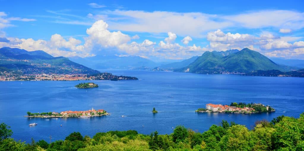 Italiaanse meren: uitzicht over het Lago Maggiore