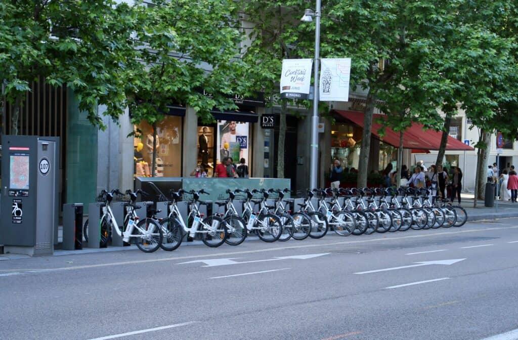 Huur van elektrische fietsen in Madrid, Spanje