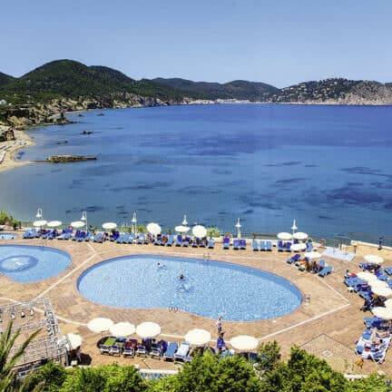 Invisa Figueral Resort in Playa de Figueral, Ibiza, Spanje