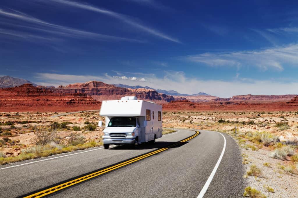 RV Camper op de weg in Amerika