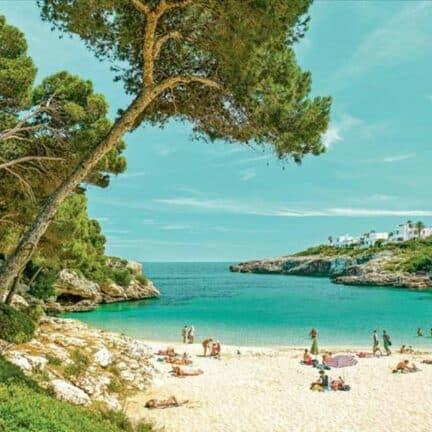 Strand van Inturotel Cala Azul Park in Cala d'Or, Mallorca, Spanje