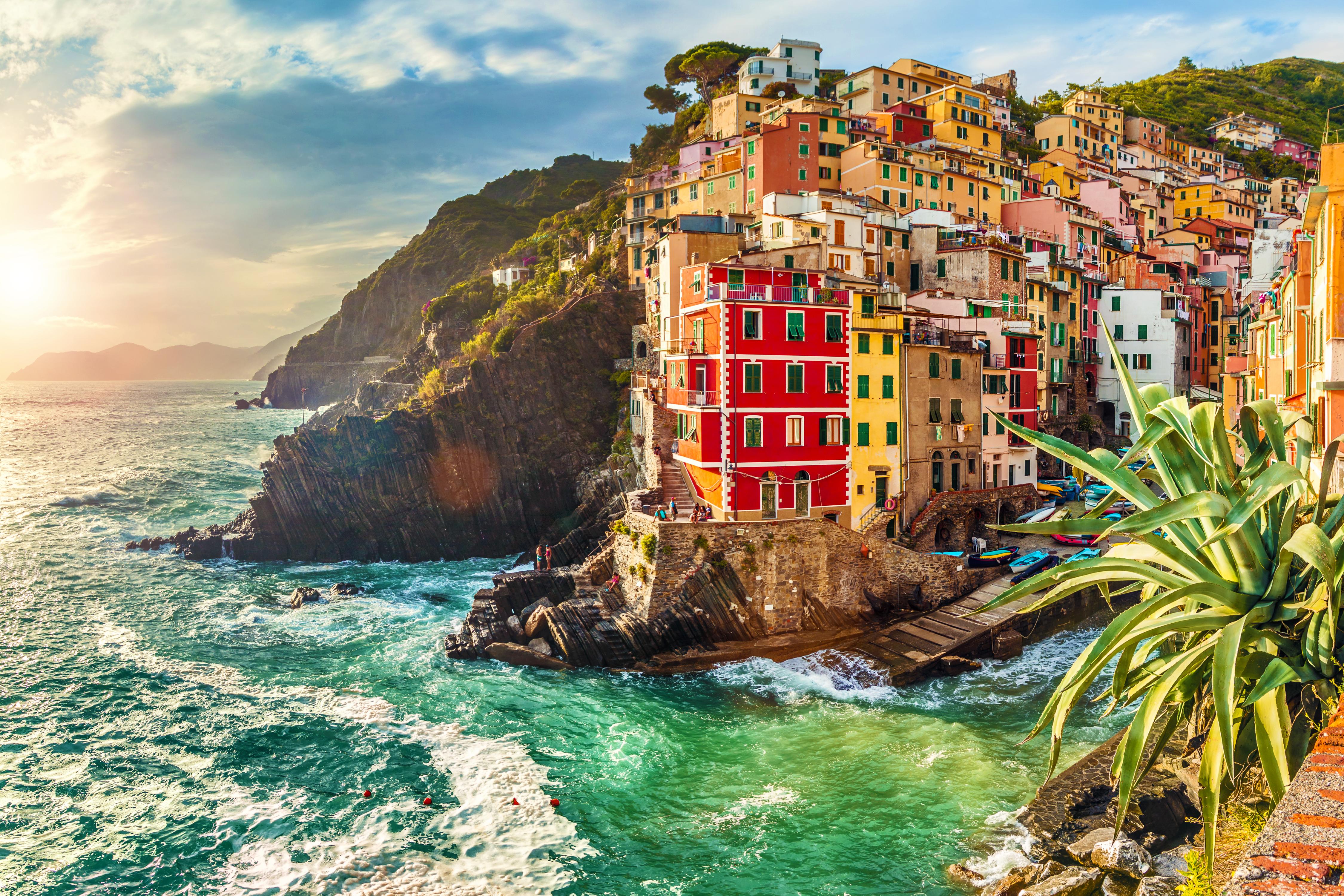 Uitzicht op bekende gekleurde huizen in Cinque Terre in Italië