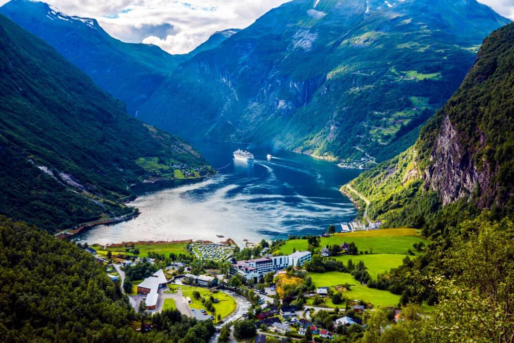 Uitzicht op de Geirangerfjord in Noorwegen