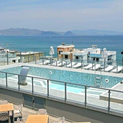 Zwembad van Astron Suites in Kos-Stad, Kos, Griekenland