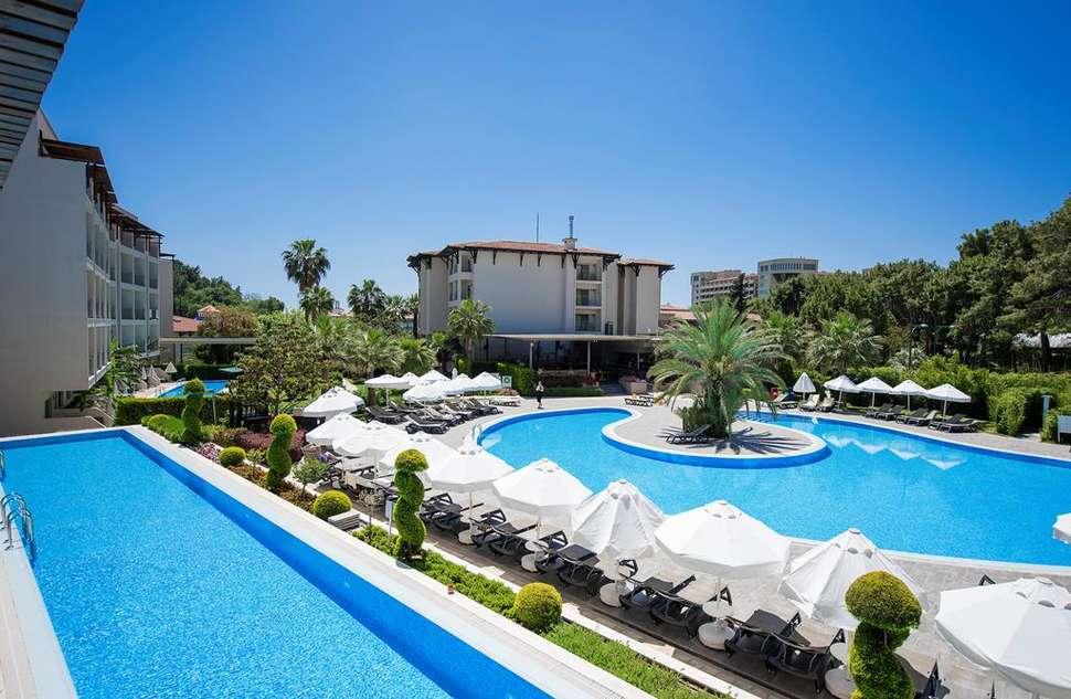 Zwembad van Barut Hemera Resort & Spa in Side, Turkse Rivièra, Turkije