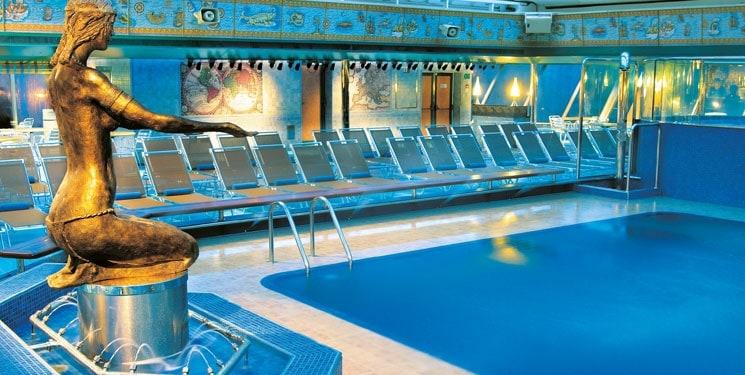 Zwembad van Cruiseship Costa Fortuna