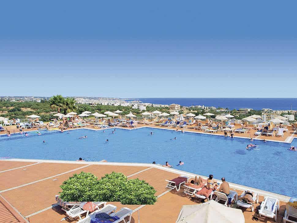 Zwembad van Imperial Belvedere in Chersonissos, Kreta, Griekenland