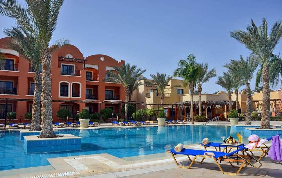 Zwembad van Jaz Dar El Madina in Marsa Alam, Rode Zee, Egypte