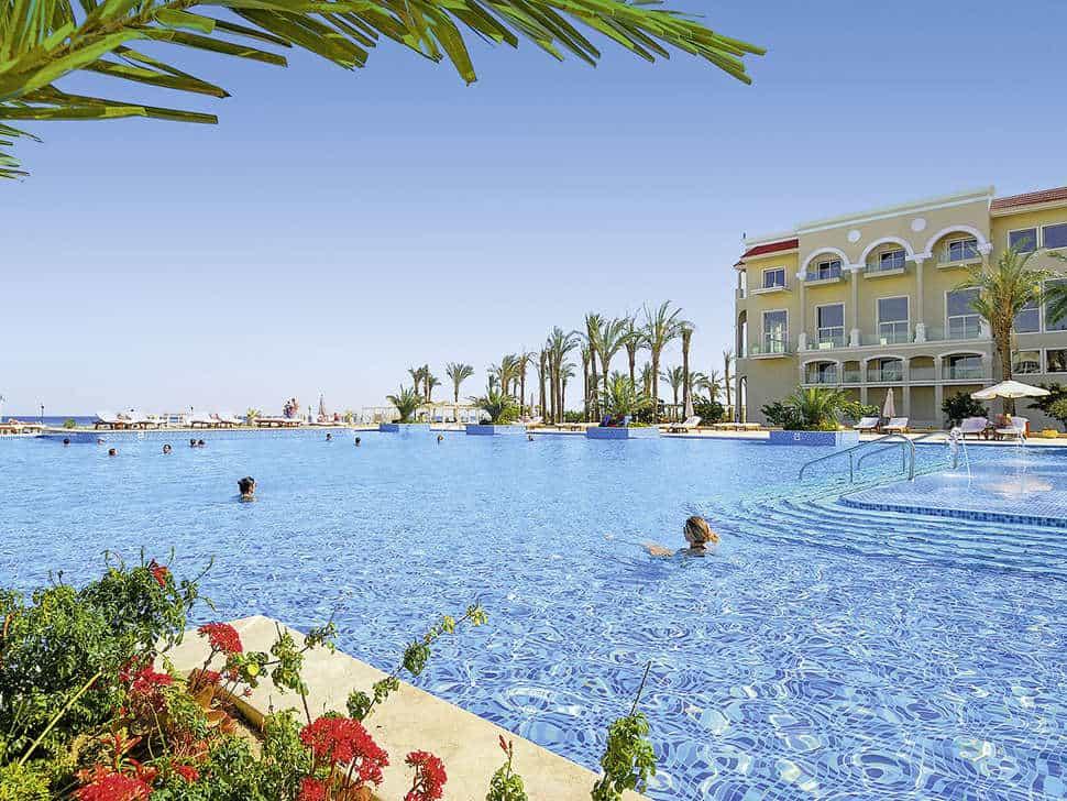 Zwembad van Premier Le Reve Hotel & Spa in Hurghada, Rode Zee, Egypte