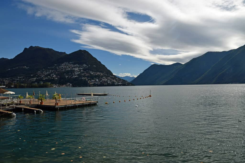 Zwemmen in het meer van Lugano