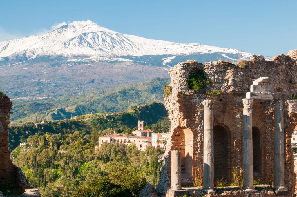 Taormina theater en Etna vulkaan op Sicilië