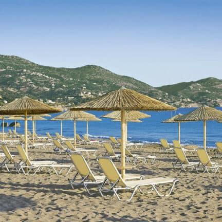 Strand van Atlantica Akti Zeus in Amoudara, Kreta, Griekenland