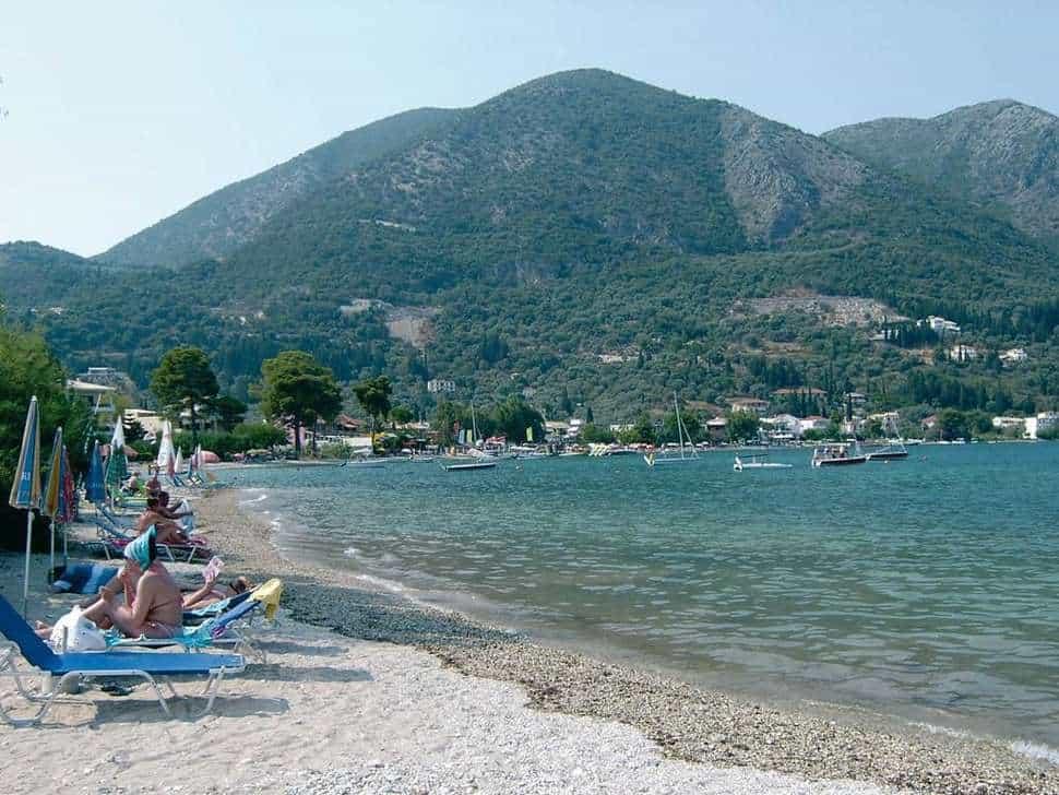 Strand bij Lefko Hotel & Apartments in Nidri, Lefkas, Griekenland