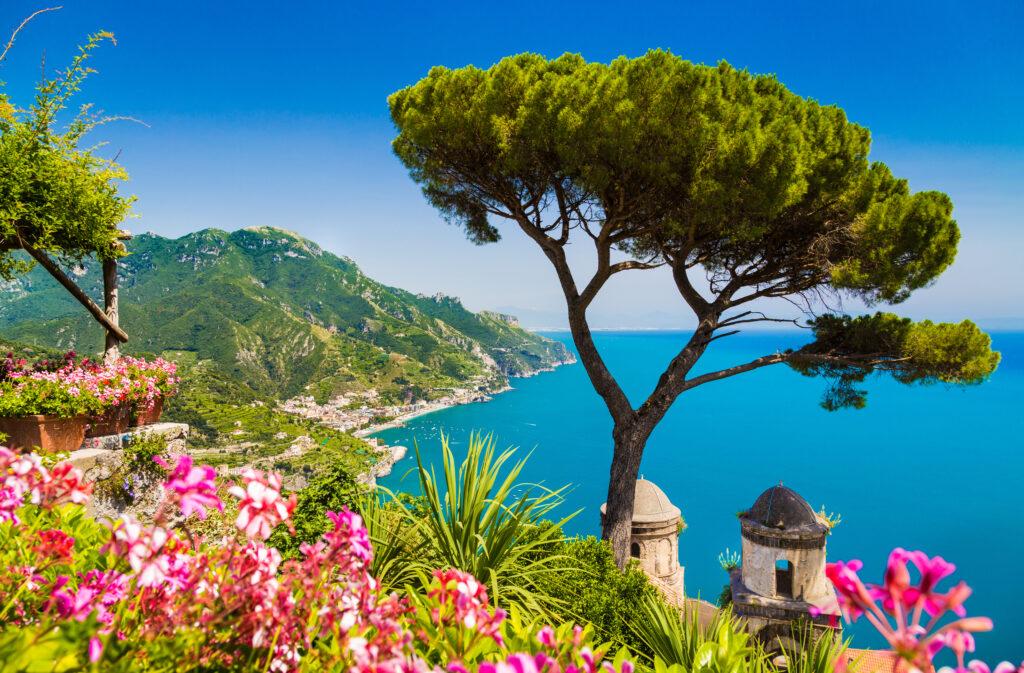 Uitzicht over de Amalfikust in Italië
